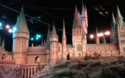 Episode 70: Geek Discussion: The Hogwarts Problem with Lark & Jessie from The Gayly Prophet