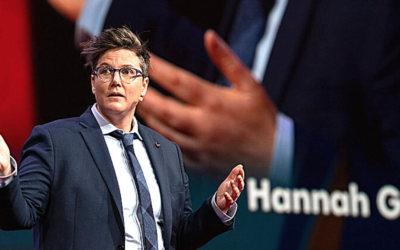 Episode 78: Geek Girl Reviews Hannah Gadsby's Nanette – Stand-Up Comedy that hits DEEP